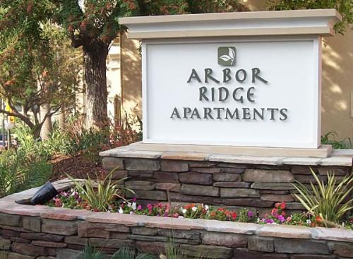 Arbor Ridge